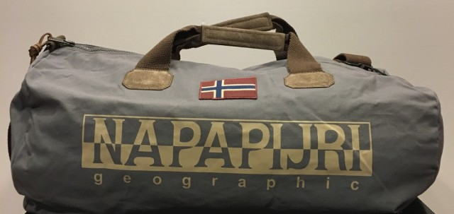 Napapijri Bering Bag Green House Front
